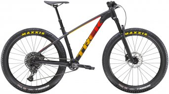 Trek Roscoe 8 27.5 horské kolo matt black/red/marigold fade model 2021