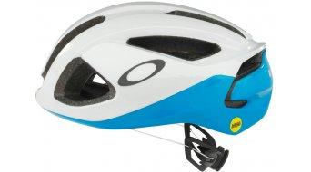 Oakley Aro 3 road bike helmet